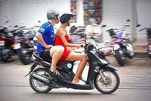 3a8d0__farang-motorbike